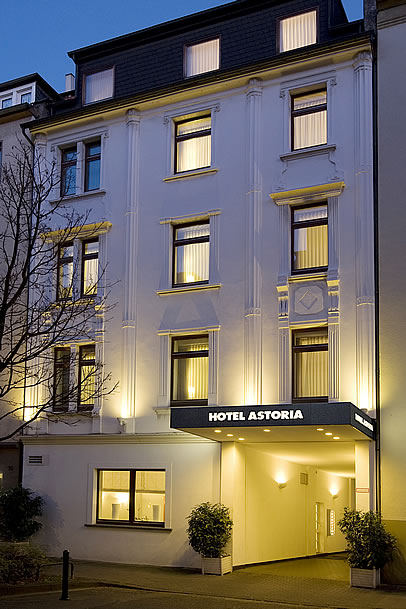 hotel astoria d sseldorf. Black Bedroom Furniture Sets. Home Design Ideas